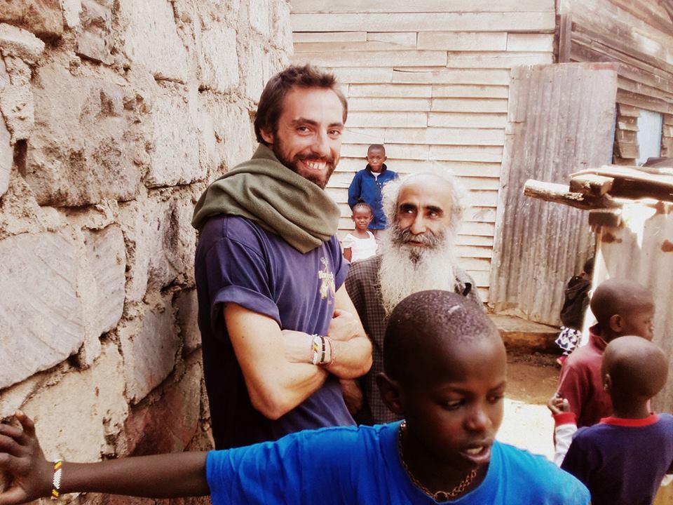 Angelo cooperante nello slum di Soweto KENYA
