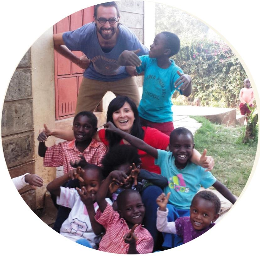 Assunta ed Angelo con i bambini di strada di Soweto
