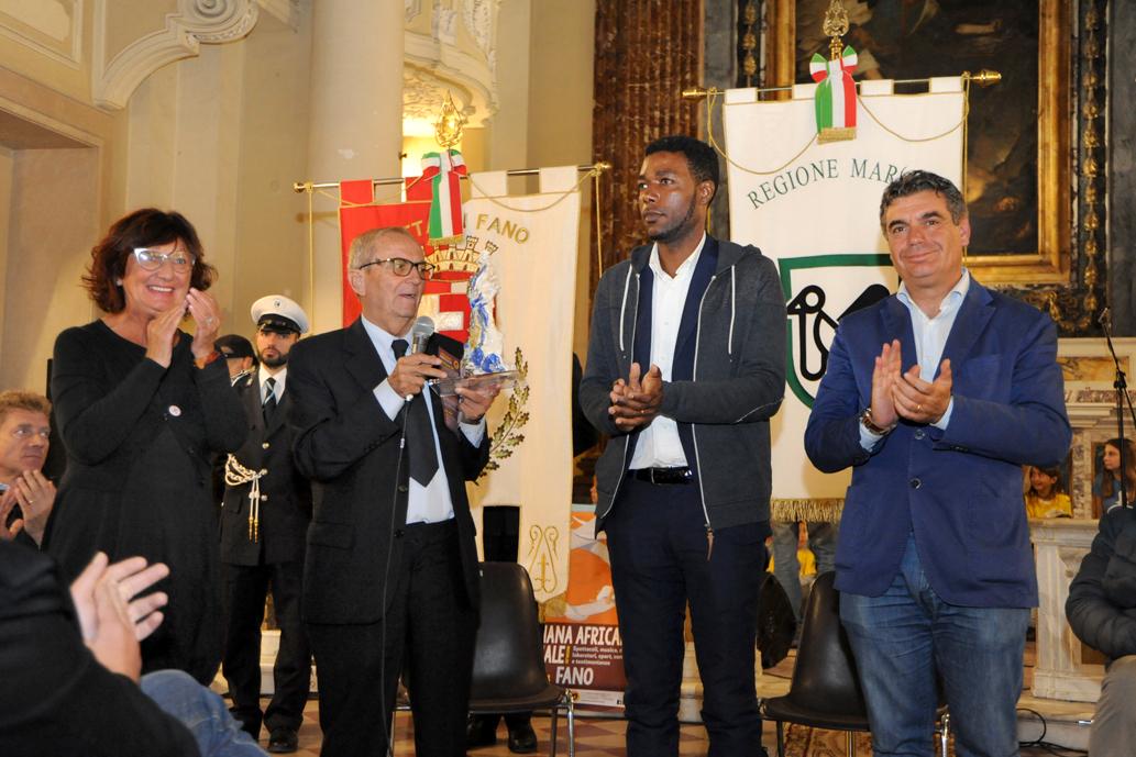 "Yvan Sagnet riceve il premio ""Ho l'Africa nel cuore 2018"""